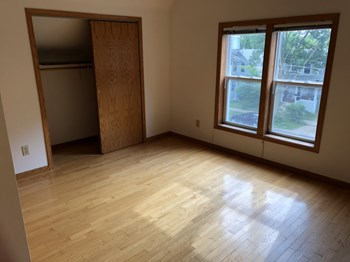1144 E Mifflin St 3 Beds Apartment for Rent Photo Gallery 1