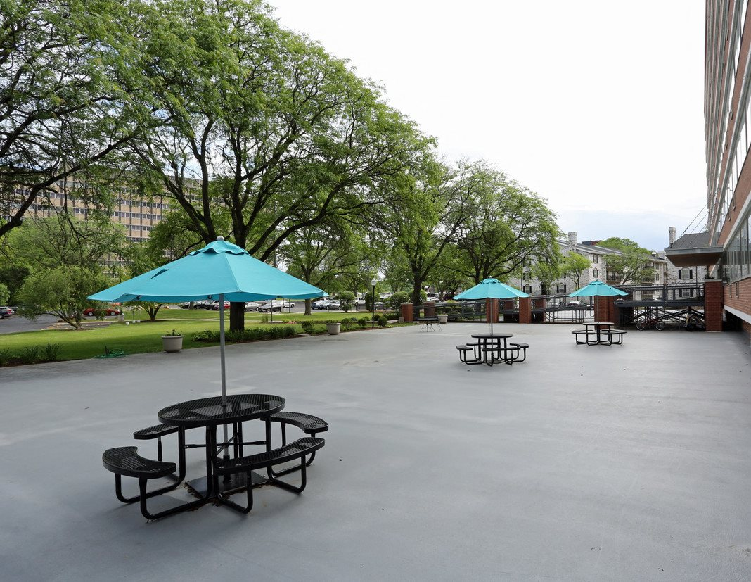 PARK TOWER | Apartments in Madison, WI
