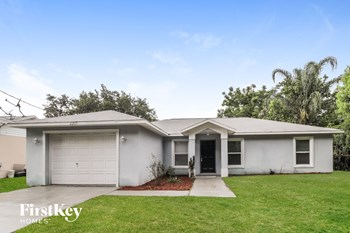 2205 Pine Ave 3 Beds House for Rent Photo Gallery 1