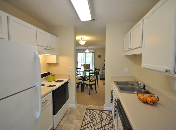 Pine Ridge Townhome Kitchen