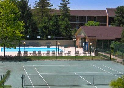 Tennis Courts at Indian Lookout Apartments in Cincinnati, OH