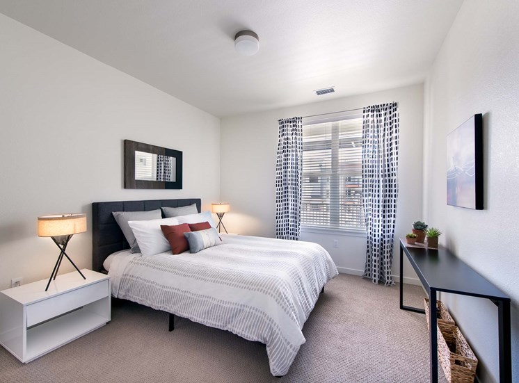 Elevate Apartments_Centennial CO_Light Filled Bedroom