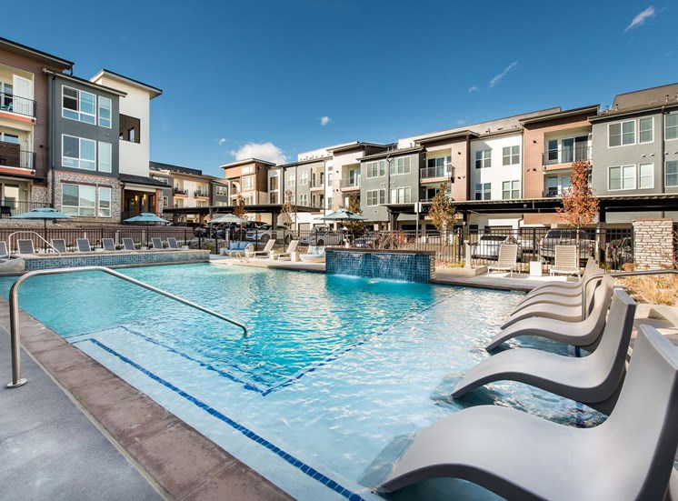 Elevate Apartments_Centennial CO_Luxurious Pool