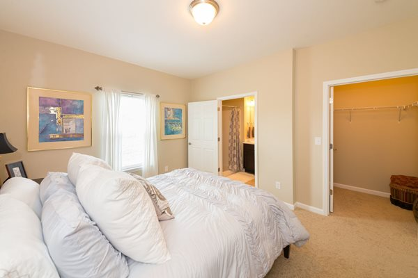 Large Bedroom at Wyndamere Apartments, KY 40324