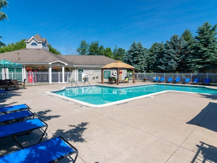 Sundeck and Poolside Cabanas, Waterford Pines in Waterford, MI