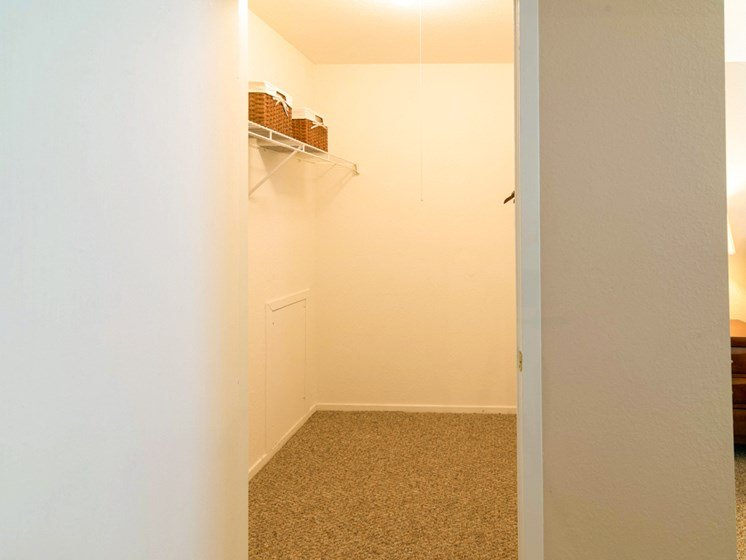 Accommodating Closet Space; Waterford Pines in Waterford, MI