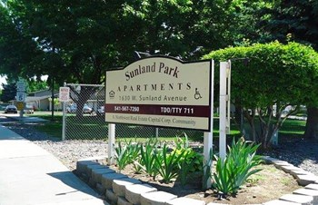 1630 W Sunland Ave 2-3 Beds Apartment for Rent Photo Gallery 1