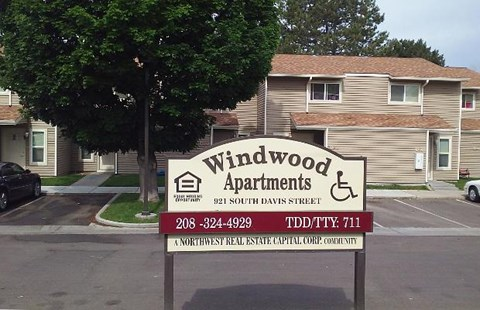 Windwood Apartments signage