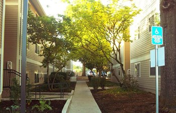 4696 SW 141st Ave 1-2 Beds Apartment for Rent Photo Gallery 1
