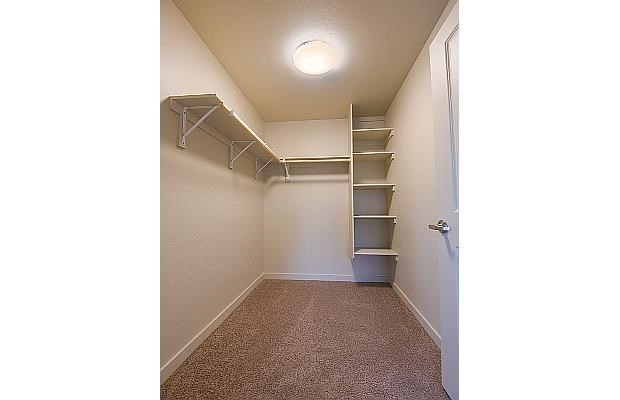 Walk in closet