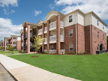 4315 Golf Club Drive #7301 1-2 Beds Apartment for Rent Photo Gallery 1