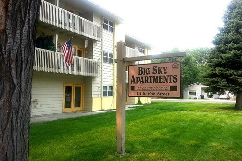 Big Sky Apartments Sign