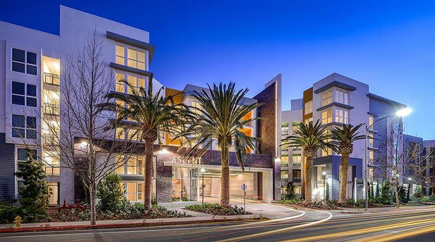 Amazing South San Jose location next to Village Oaks Retail Center