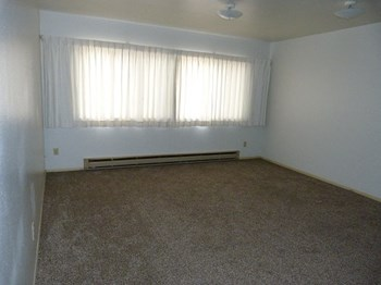 400 N Idaho St. 2 Beds Apartment for Rent Photo Gallery 1