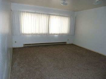 400 N Idaho St. 3 Beds Apartment for Rent Photo Gallery 1