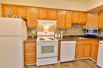 2531 Sarrington Cir Studio Townhouse for Rent Photo Gallery 1