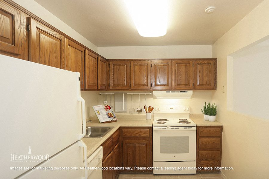 kitchen at southwood luxury apartments