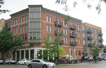 939 N. High St 1 Bed Apartment for Rent Photo Gallery 1
