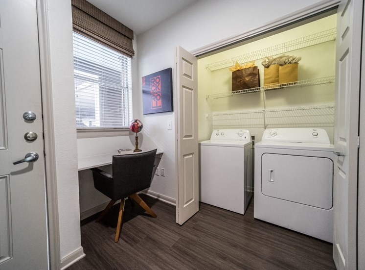 laundry and study soco apartments in austin