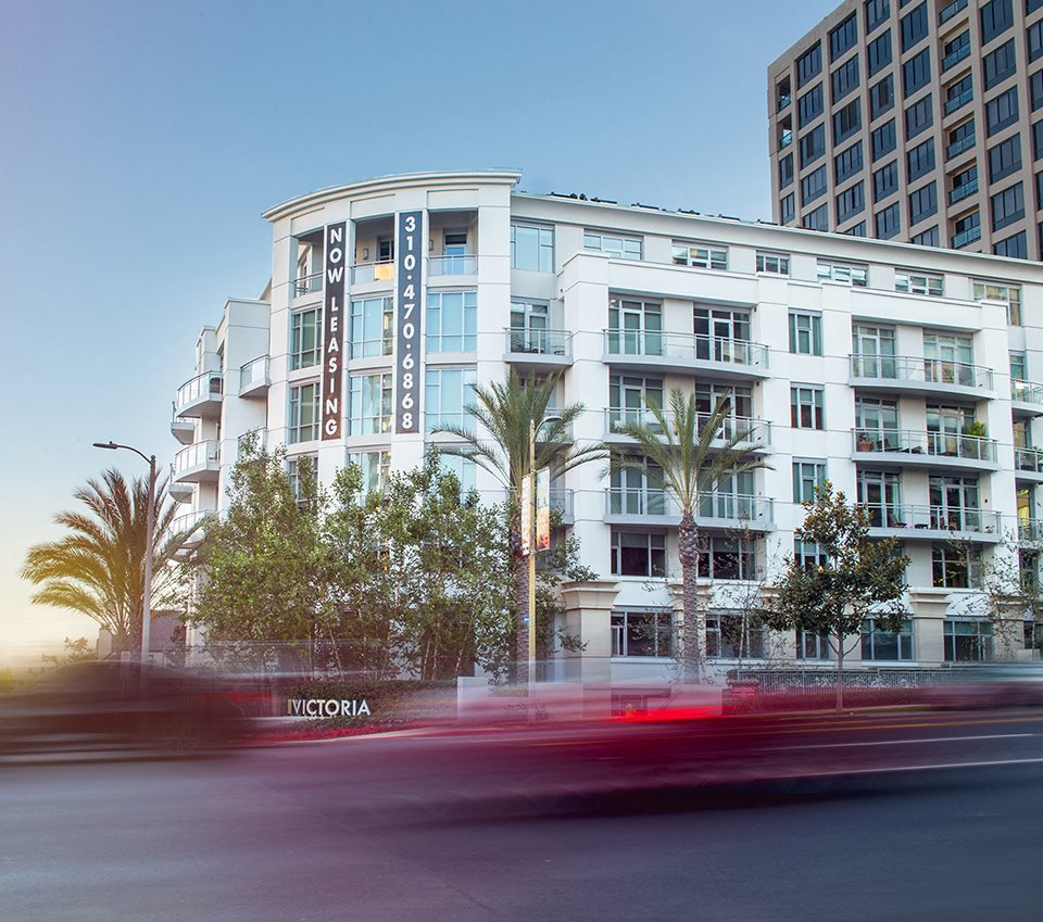 Westwood-Luxury-Apartments-Wilshire-Margot-Exterior-Hero-Image