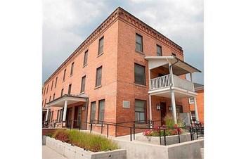 307 Woody Street Studio Apartment for Rent Photo Gallery 1