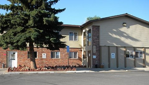 Broadwater Village Apartments