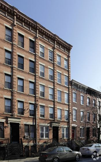 913 Garden Street 2 Beds Apartment for Rent Photo Gallery 1