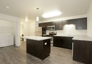 3885 30Th Ave S Studio-2 Beds Apartment for Rent Photo Gallery 1