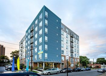 2807 Cresmont Ave Studio-1 Bed Apartment for Rent Photo Gallery 1