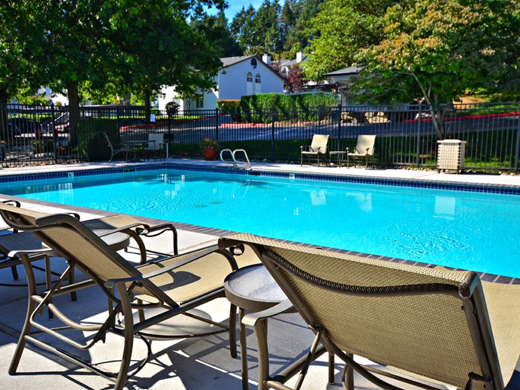 Wellington_Apartments_Silverdale_WA_Pool Chairs