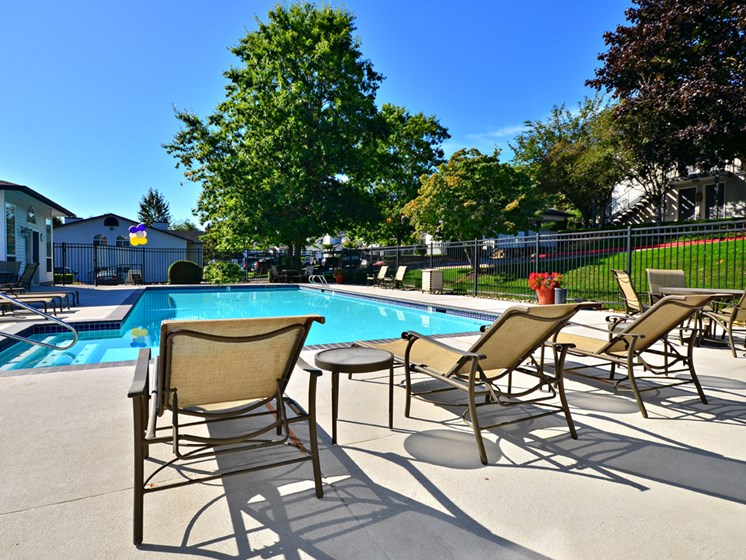 Wellington_Apartments_Silverdale_WA_Pool Deck