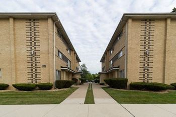 11037 S. Homewood Ave 1-2 Beds Apartment for Rent Photo Gallery 1