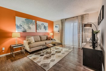 3550 Timberglen Rd 1 Bed Apartment for Rent Photo Gallery 1