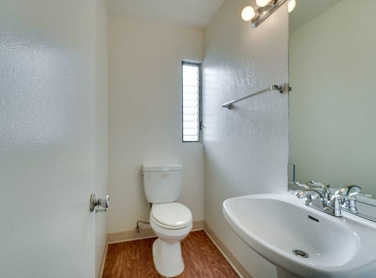 Large Soaking Tub In Master Bathroom at Highlander Park Apts, Riverside, CA