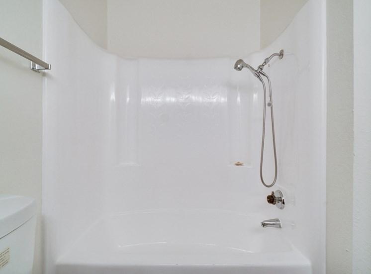 Oversized Soaking Tub In Bath at Highlander Park Apts, Riverside