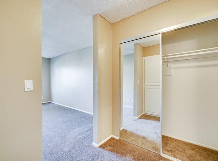 Resident Lounge Area at Highlander Park Apts, California