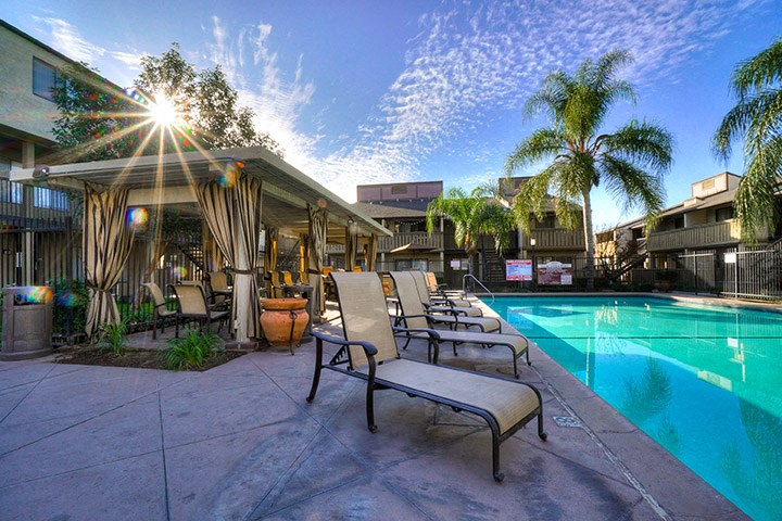 Newly Built Swimming Pool And Lounge at Highlander Park Apts, Riverside