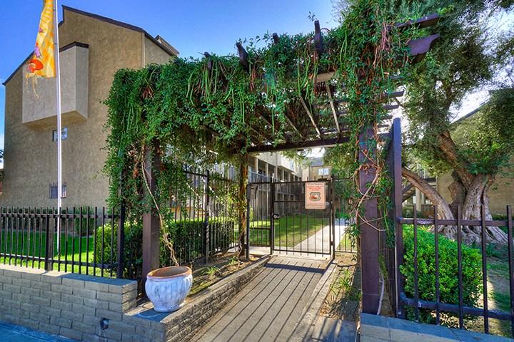 Front Entrance To Property at Highlander Park Apts, California