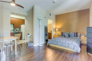 7428 Hollywood Blvd. Studio-1 Bed Apartment for Rent Photo Gallery 1