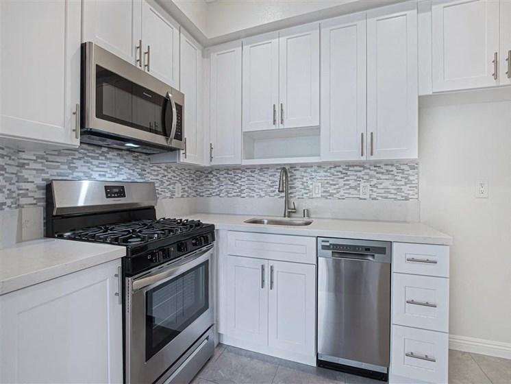 Fully Equipped Kitchen at Hollywood Vista, Hollywood, 90046