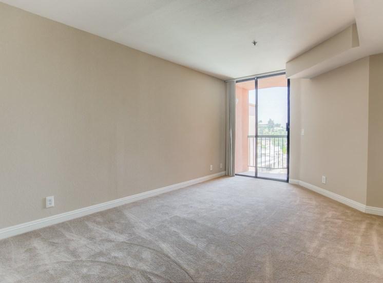 Beautiful Bright Bedroom at La Vista Terrace, California, 90046