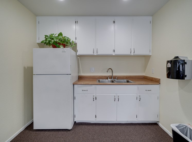 Convenient Kitchen at Park Merridy, California, 91325