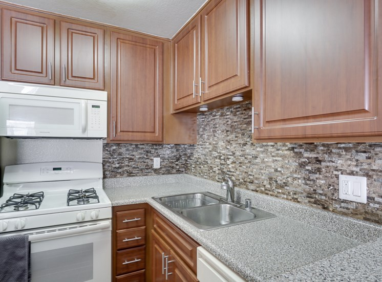 Granite Counter top Kitchen at Park Merridy, Northridge, California