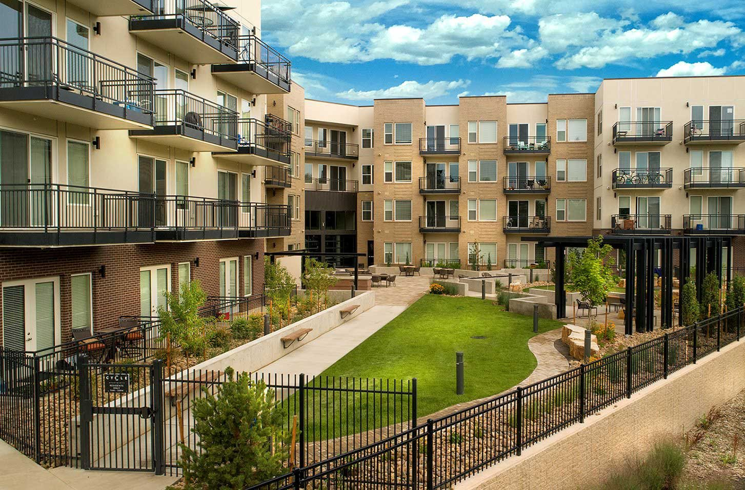 Beautifully Landscaped Grounds at Cycle Apartments, Ft. Collins