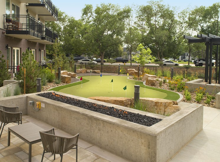 Beautiful Outdoor Courtyard with Fire Pit and BBQ Areas at Cycle Apartments, Colorado, 80525