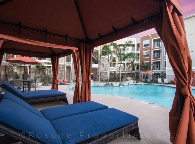 pool_cabana_lake_houston_apartments