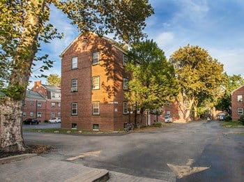 712 Fairmount Ave Studio-1 Bed Apartment for Rent Photo Gallery 1