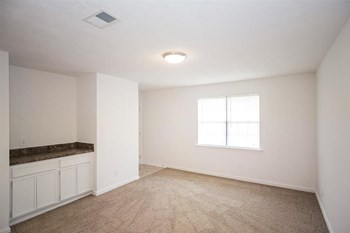 132-A Cedar Lane 2-3 Beds Apartment for Rent Photo Gallery 1