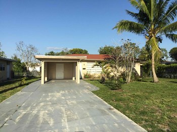 32 NW 42 Ter Plantation, FL 33317 3 Beds House for Rent Photo Gallery 1