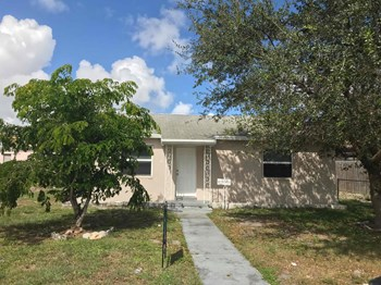1943 Thomas St Hollywood, FL 33020 2 Beds House for Rent Photo Gallery 1